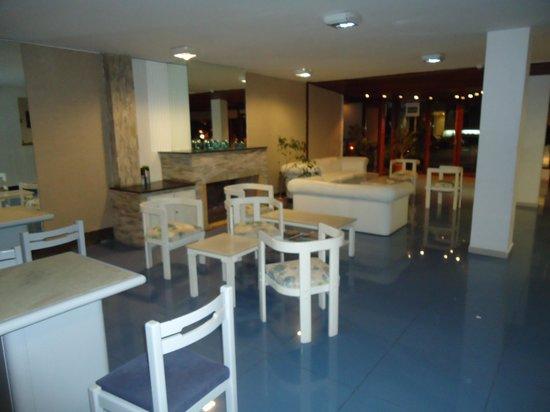 Hotel Florinda : salão do café da manhã