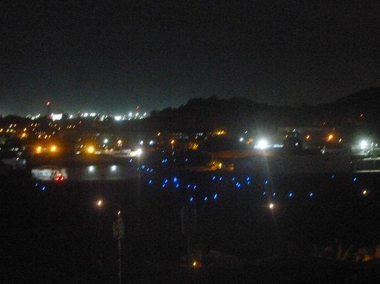 Wyndham Panama Albrook Mall: Vista de la ciudad desde la terraza