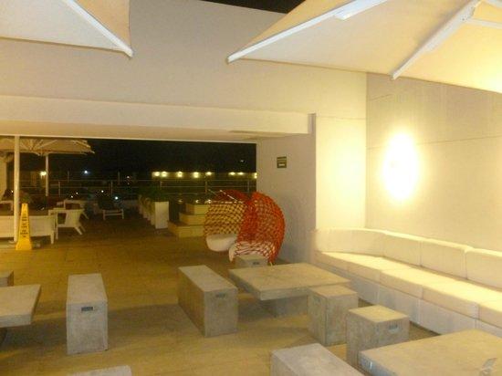Wyndham Panama Albrook Mall: La terraza