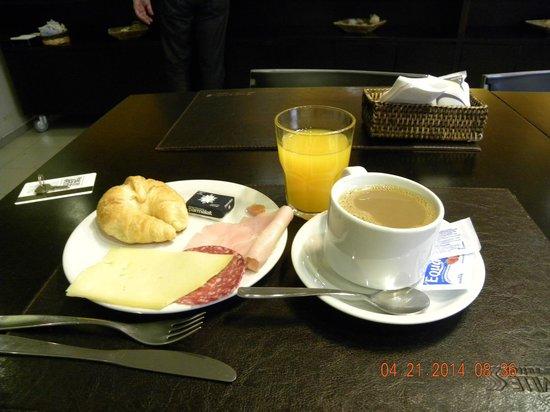 Punta Trouville Hotel: Café
