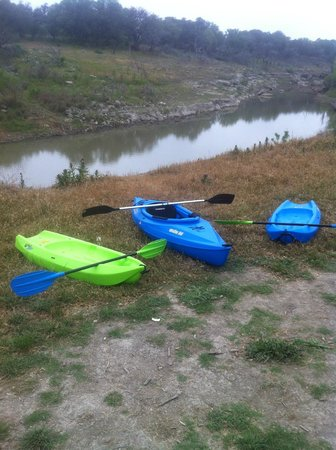 AAA Lazy R & R Cove : recreational