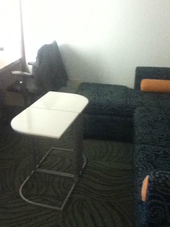 SpringHill Suites Alexandria Old Town/Southwest: Sofa and tables