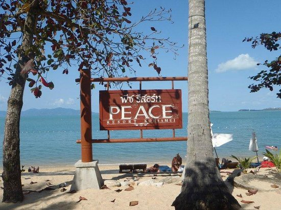 Peace Resort : Beautiful signage looking out to the beach