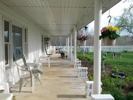 Sisson's Country Inn : Veranda