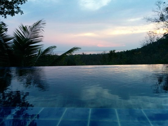 The Place Luxury Boutique Villas: Your infinite pool overlooking the bay