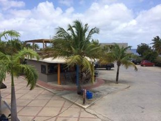Eden Beach Resort : View of Wanna Dive Shack