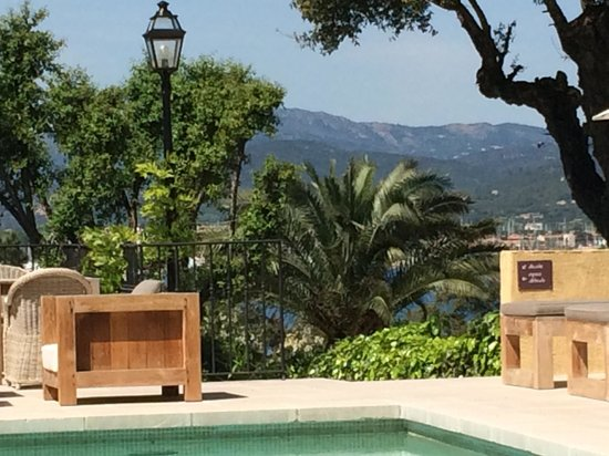 La Bastide d'Antoine : Beautiful view from the pool area.