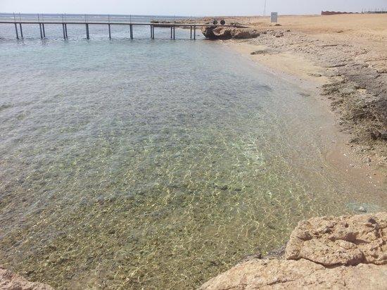 The Three Corners Happy Life Beach Resort : mare di cristallo