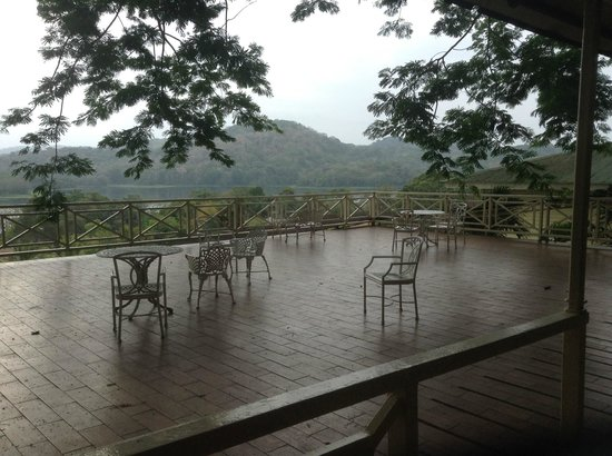Gamboa Rainforest Resort: terrace - see there picture of same terrace