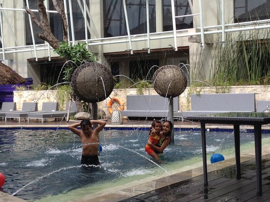 Grand Mega Resort & Spa : Pool area