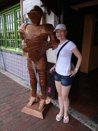Little Havana: Turista que é turista não perde uma estátua!