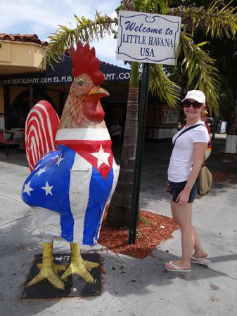 Little Havana: Turista que é turista não perde uma placa!
