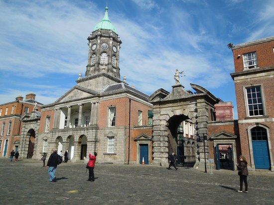 Dublin Castle: Entryway