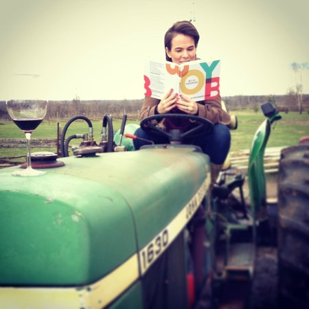 Culinary Adventure Co. : Clowning Around at Three Dog Winery on the John Deer