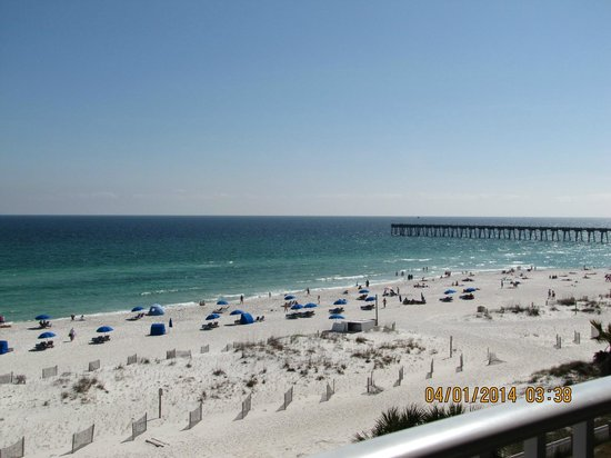 Hampton Inn Pensacola Beach: View of the pier from our room.