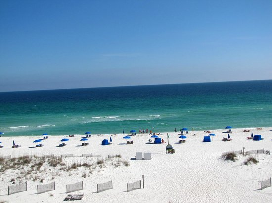 Hampton Inn Pensacola Beach: Wonderful view from our room great beach access.
