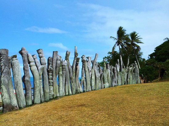 4. Totem Poles at St. Maurice Bay - Picture of Ile des Pins ...