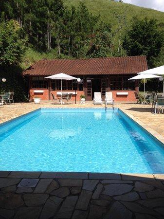 Pousada Serra da India: Área da piscina