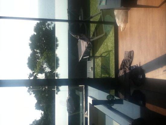Ayara Kamala Resort & Spa : pool access view