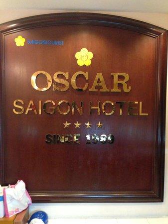 Oscar Saigon Hotel : フロント