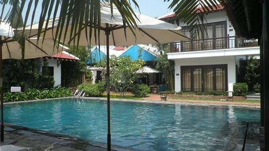 Hoi An Riverside Bamboo Resort: Crystal clear pool