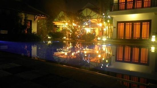 Hoi An Riverside Bamboo Resort: Magical night view