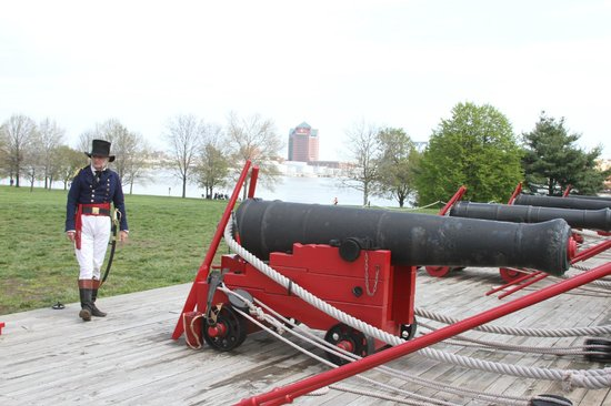 Fort McHenry National Monument: Telling the story