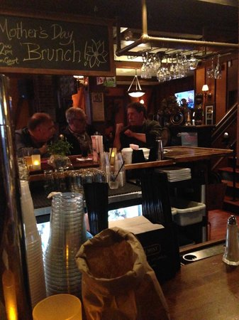 Ciro's Restaurant: Bar area