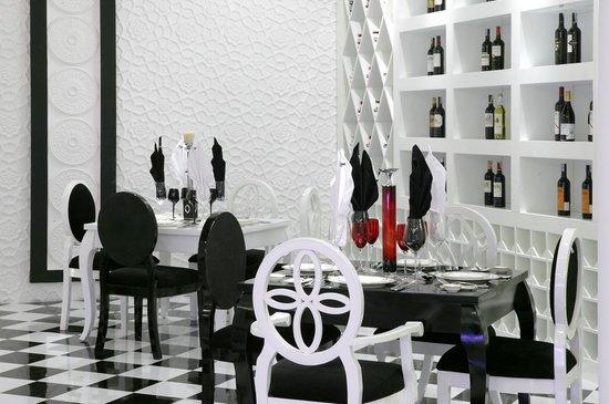 Le Taj Restaurant