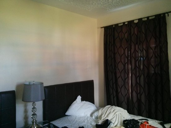 Travellers Beach Resort: bedroom