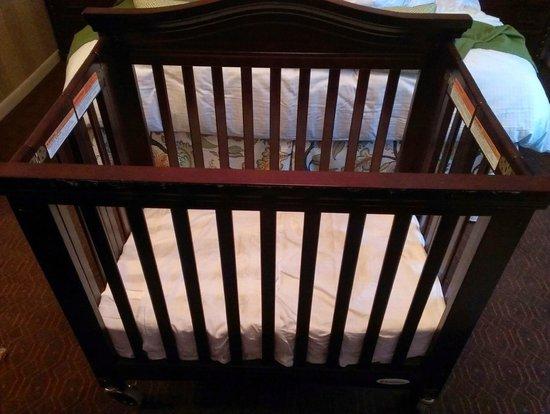 The Talbott Hotel: Crib