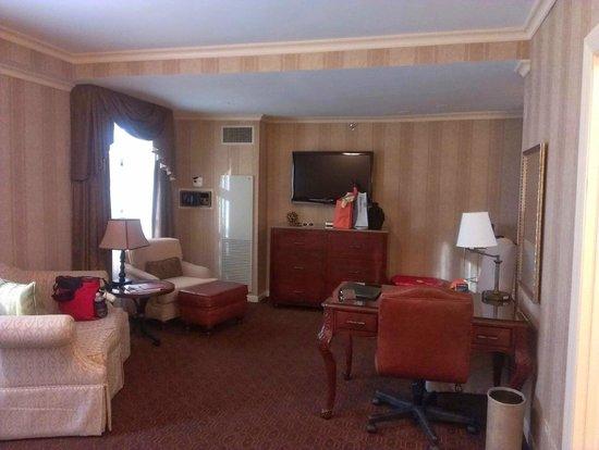 The Talbott Hotel: Room