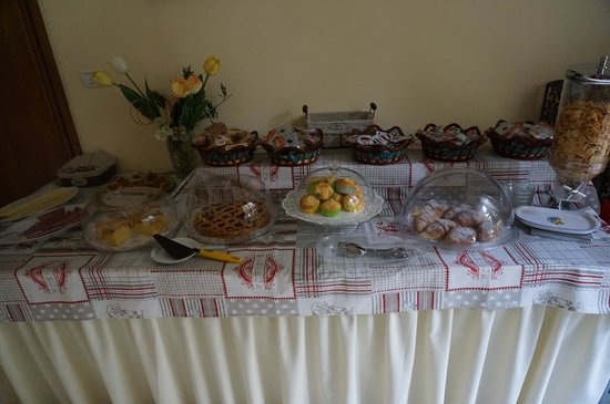 Aedes B&B - The Garden of Dreams: 朝食、これプラス手作り料理が毎朝各テーブルに配られます