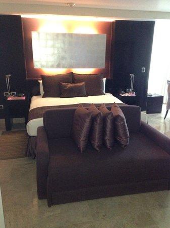 ME Cancun : Room