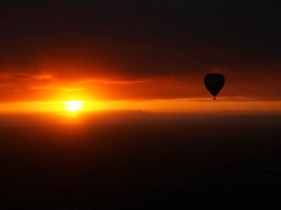 Global Ballooning Australia: Perfect Morning Flight over Melbourne