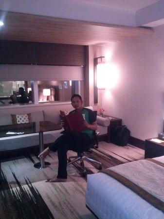 Gran Melia Jakarta: Suasana kamar yang nyaman..