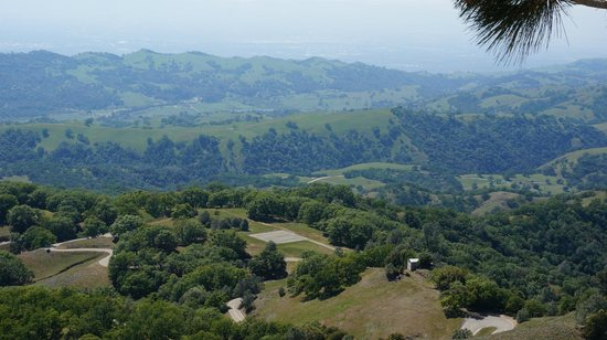 Lick Observatory : View of the valley 1