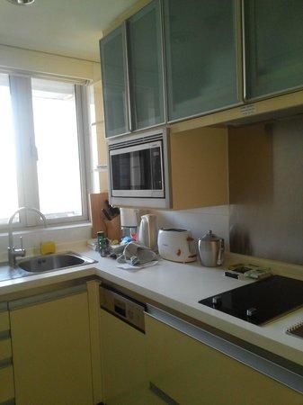 Ascott Guangzhou : Kitchen, tiny but good