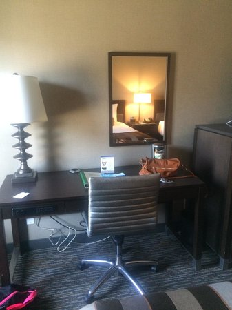 Wingate by Wyndham Los Angeles International Airport LAX: Desk