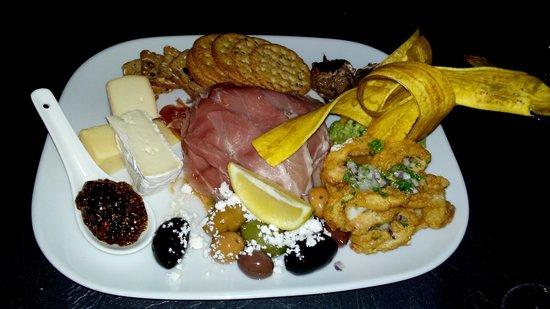 El Toro Restaurant: Delicious Toro platter.