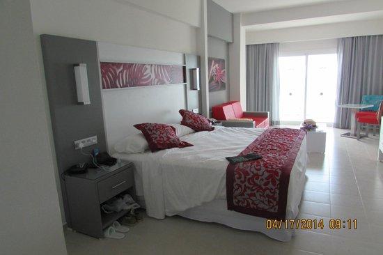 Foto de hotel riu playa blanca rio hato vista desde el for Habitacion familiar riu vallarta