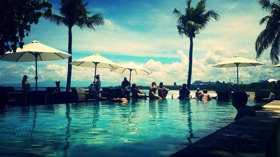 Bali Garden Beach Resort : Beach pool