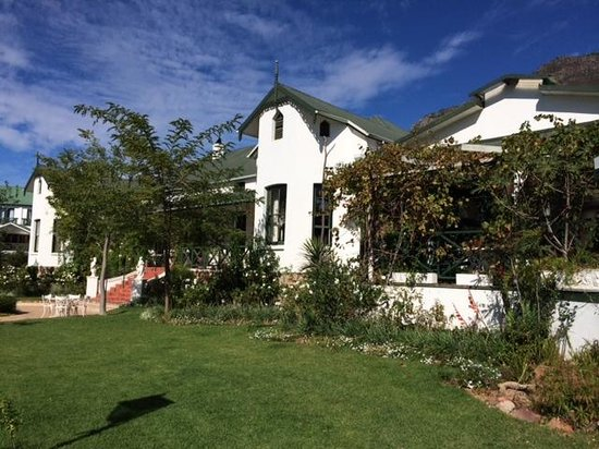 Riebeek Valley Hotel : view of the front of the hotel