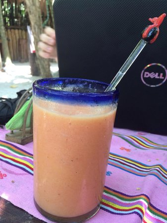 Il Barino Tulum Juice & Co: Guyaba smoothie- for digestion... Soooo good!!!