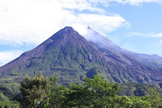 Hyatt Regency Yogyakarta : Mount Merapi