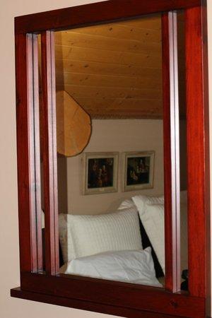 A Okanagan Lakeview B&B : Mahogany Room
