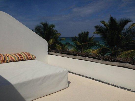 The Beach Tulum: Private sun-bath area