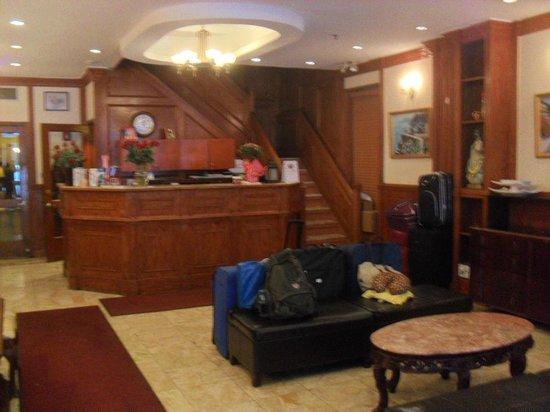 Da Vinci Hotel: A recepção do hotel