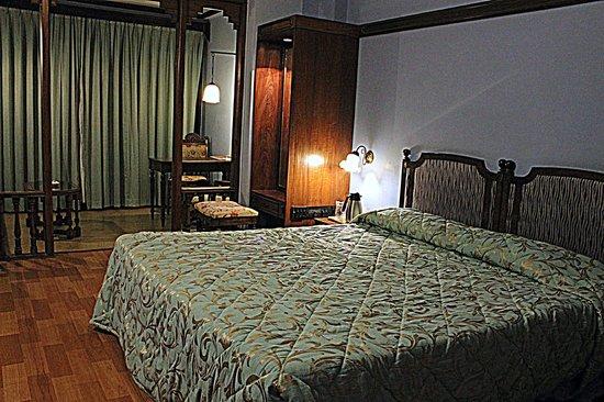 Hotel Mandovi: Rooms
