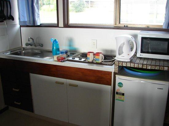 San Marino Motor Lodge: Kitchen